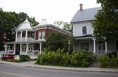 Houses from the Victorian era (le calmar) Tags: old houses summer canada canon eos reflex mainstreet downtown quebec victorian t centreville sainthyacinthe 50d 2013 eos50d victoriensainthyacinthequbeccanada