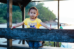 I_13_2_Inderason-36.jpg (Mohd Shukur Jahar) Tags: life girls friends kids backlight children fun happy photography child emotion expression memory expressive hugs fujinon backlighting kudat relation fujifujifilm xpro1 xtrans dpsbacklight fujifilmxpro1