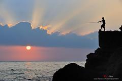 漁人的搏鬥 (愚夫.chan) Tags: sunrise 北海岸 taiwan 基隆 台灣 外木山