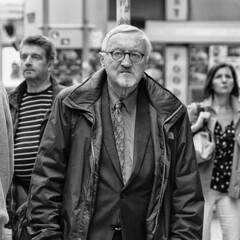 Rush Hour (Jorge_Soriano) Tags: prague streetphotography lugares czechrepublic generos