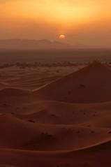 Sunset desert. (Victoria.....a secas.) Tags: sunset atardecer desert dunes explore desierto marruecos dunas sáhara