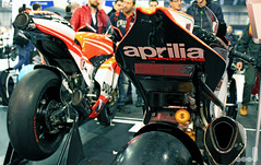 Aprilia RSV4 vs Ducati Desmosedici (Matt_Lodi) Tags: italy bike championship italian expo racing verona motor vs motogp ducati aprilia superbike 2014 sbk dovizioso ohlins desmosedici guintoli rsv4