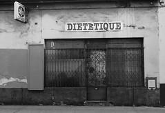 lyon 9e (9) (Lyon2024) Tags: urban france europe magasin commerce lyon 9 rhne abandon arrondissement ville enseigne urbain rhnealpes 2024 neuvime dittique lyon9 lyon2024 commerceabandonn lyon9mearrondissement