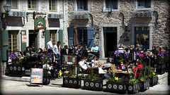 Vieux Quebec Pizza (stephenisabellemaggie) Tags: restaurant quebec terrace pizza quebeccity sunnyday lunchcrowd