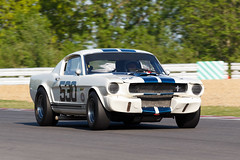 Craig DAVIES Shelby Mustang GT350 / Brands Hatch Historic Masters Festival 2013 (mattbeee) Tags: car festival race racing historic masters brandshatch 530 motorcar