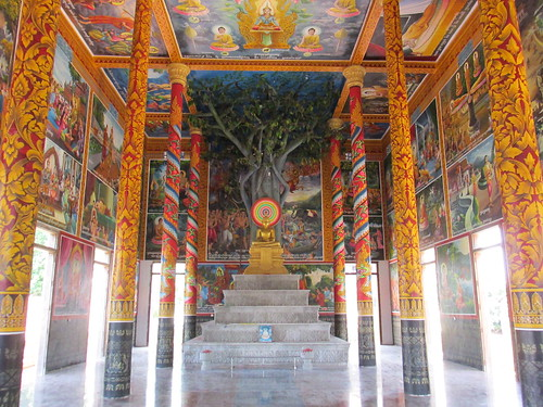 Dans un temple, Cambodge