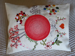 WP #032 (rosaechocolat) Tags: linen embroidery crochet pillow almofada motifs embroided appliqué