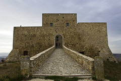 Monteserico Castle (Giuseppe Cillis) Tags: italy castle canon eos nikon south basilicata lucania genzano 600d monteserico