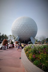 THE PEOPLE ARE ARRIVING AT EPCOT (Visual Images1) Tags: orlando epcot 6ws florida disney spaceshipearth