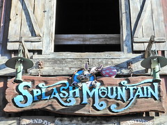 Splash Mountain in Disneyland (GMLSKIS) Tags: splashmountain sign disney california amusementpark anaheim disneyland