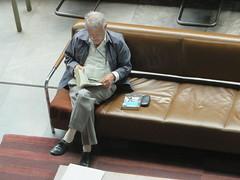 Leyendo (dixmanx) Tags: persona gente interior biblioteca sillon libros lectura seor vasconcelos