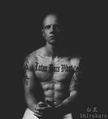 Self Portrait (dabitodrifting@ymail.com) Tags: people bw white man black monochrome tattoo gray grau menschen mann schwarz hnde schrfentiefe hintergrund mensch muskeln weis einfarbig schwarzer portraitfotografie
