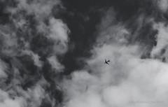 (Seba P. D.) Tags: sky canon eos rebel fly t3i 600d