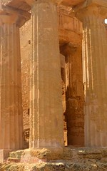 Valley of the Temples - Temple of Concordia - detail 1 (Sussexshark) Tags: holiday detail temple concordia sicily vacanza sicilia agrigento valledeitempli valleyofthetemples 2016
