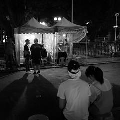 L1010030 (Hoichen) Tags: leica night hongkong blackwhite 28mm snapshot snap jordan summilux asph yaumatei f17 leicaq typ116