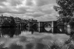 Crossed. (Grf f the Pp [@Grfbd]) Tags: city bw river limoges canoneos70d