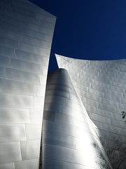 Gehri Univers (Phoebus58) Tags: california art metal architecture losangeles downtown gehry waltdisneyconcerthall
