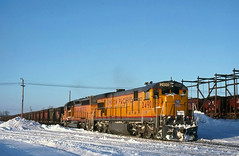 UP GE Action at Escanaba (ac1756) Tags: cold up evening michigan unionpacific february ge oredock escanaba c307 2490 oretrain