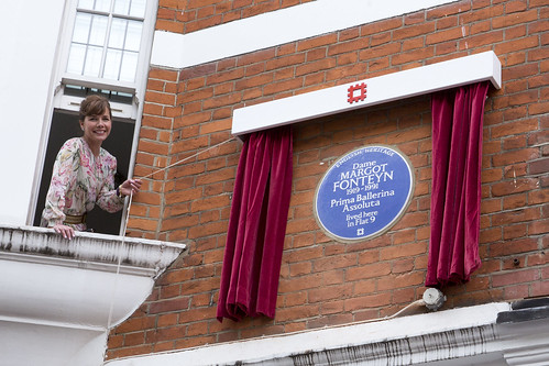 Frederick Ashton and Margot Fonteyn honoured with English Heritage blue plaques
