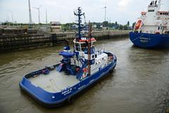 Fairplay III (DST_9042) (larry_antwerp) Tags: port ship belgium lock belgi vessel antwerp tug schelde  antwerpen tanker sluis  sleepboot schip           zandvlietsluis                        fairplayiii     9365116  antwerptowage           9305178 patronai