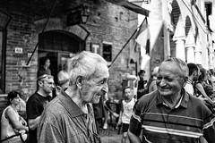 Amicizia (francesco_if ) Tags: street friends portrait people blackandwhite bar monocromo oldman tuscany piazza pienza toscana amici amicizia biancoenero