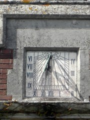 Sundial Seale Hayne Newton Abbot (Bridgemarker Tim) Tags: sundials farms clocks newtonabbot sealehayne