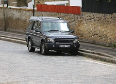 Land Rover Discovery 2 (kenjonbro) Tags: uk blue england 2004 4x4 greenwich landmark helicopter automatic aircraftcarrier suv riverthames warship facelift td5 hmsillustrious se10 discovery2 kenjonbro canoneos5dmkiii ex04tyg canonef70200mm128l1siiusm