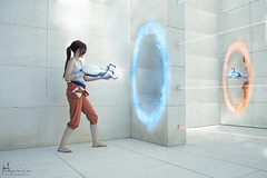 Moebius (Hidrico) Tags: 2 portrait digital photomanipulation costume aperture gun cosplay fantasy valve barefoot scifi laser videogame sciencefiction portal chell