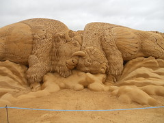 sondervig 2013 (rijerse) Tags: sculpture detail art work big artwork sand cowboy artistic indian awesome great fine shapes sculptuur form shape bison edith sandsculpture wilfred intricate sculpting shaping