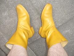 Gelbe Gummi's (romikabobby) Tags: wellies rubberboots gummistiefel gelbe rainboots regenstiefel