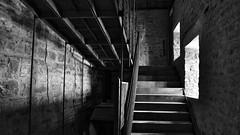 Italia 10 (' Gauthier http://gauthierandreani.livehost.fr) Tags: white black italia noir lumire pierre pierres mur blanc escalier italie marche murs fenetre noirblanc
