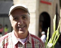 (Caitlin H. Faw) Tags: flowers light shadow portrait man color smile face hat canon eos israel eyes teeth jerusalem may 5d plaid jaffaroad yerushalayim markiii 2013 caitlinfaw caitlinfawphotography