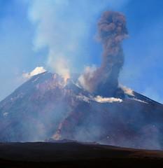IMG_2583 (salvocurcuruto) Tags: colatalavica vulcanoetna sabbiavulcanica eruzionedelletna
