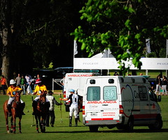 117th Hurlingham Club Open Championship, Argentina / 117 Abierto de Hurlingham YPF () Tags: vacation horse holiday latinamerica southamerica argentina argentine cheval nikon ambulance pony 70300mm polo rtw pferd vacanze tack hest roundtheworld paard sudamerica triplecrown  polopony amricadosul amricalatina globetrotter southernhemisphere ambulanz zonasul amriquelatine polomatch  poloclub argentinien 16days  hurlingham equidae amricadelsur sdamerika hurlinghamclub  ambiwlans worldtraveler  ariannin  laaguada  americadelsud chukkas  argentinidad pologame poloteam ladolfina   d700  nikond700 chukkers abiertodehurlingham  triplecorona 117thhurlinghamopen hurlinghamopen capitaloftango  chukers tradiciondelpoloargentino ambulanza