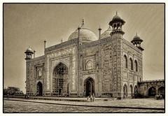 Agra IND - Jawab Taj Mahal east side