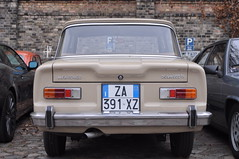 Alfa Romeo Giulia 1300 TI (1966-1968) (Transaxle (alias Toprope)) Tags: auto berlin classic cars beauty car vintage nikon power ar antique voiture 1966 historic coche soul carros classics 1967 alfa carro oldtimer 1968 autos veteran alfaromeo ti 車 macchina antiguo coches clasico giulia voitures toprope ancienne 1300 remise meilenwerk anciennes macchine d90 berlina altmoabit السيارات kraftwagen 4porte wiebestrasse bonetail classicremise
