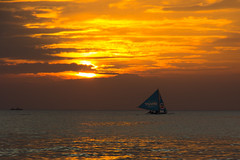 | Sunset at Boracay (Owen Wong (Thank you)) Tags: ocean sunset sea cloud sun beach beautiful landscape gold boat asia warm sailing sundown philippines boracay