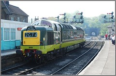 D9009: Grosmont:NYMR: NYK: 2008.05.11=0005 (Barnsfield) Tags: northyorkshiremoorsrailway class55 deltic nymr 55009 9009 d9009 grosmont nyk
