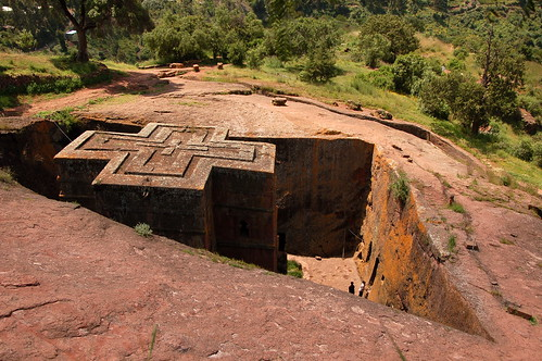 "Lalibela - Biete Saint-Georges <a style=""margin-left:10px; font-size:0.8em;"" href=""http://www.flickr.com/photos/125852101@N02/16353988089/"" target=""_blank"">@flickr</a>"