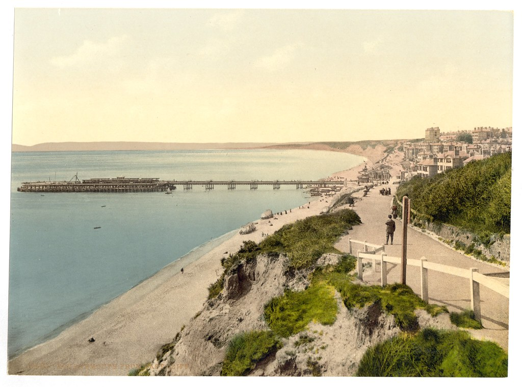 From the East Cliff, Bournemouth, England-LCCN2002696404