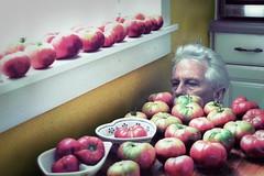 Tomato Fetish (netaloid) Tags: food selfportrait man me kitchen vegetables garden tomatoes harvest autoritratto day10 dailyme