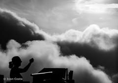 But the memory remains - Corcovado / Rio de Janeiro (Ivan Costa) Tags: cloud clouds person photo pessoa nuvens shooting nuvem fotografando