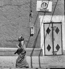 IMG_8099-Modifier (adil.mmn2) Tags: bw white black sahara canon blackwhite morocco maroc zagora kasbah