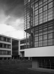 Bauhaus (schromann) Tags: glass wall facade steel curtain fassade vorhang stahl gropius mhb dessaubauhaus 20160429