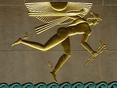 Mercury in Gold (failing_angel) Tags: usa newyork mercury manhattan rockefellercenter artdeco leelawrie wingedmercury 620fifthavenue raymondhood channelgardens internationalstylearchitecture artdecoarchitecture johndrockefellerjr 310516