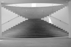 DSCF9439 (felipe bosolito) Tags: museum stairs bonn empty symmetry