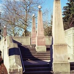 Bellevue Downtown Park (Boolean.Bill) Tags: park film obelisk kodakgold olympus35sp bellevuedowntownpark getolympus mindfulscene