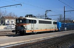 BB-9604  Miramas  18.03.00 (w. + h. brutzer) Tags: france analog train nikon frankreich eisenbahn railway zug trains locomotive bb miramas sncf lokomotive elok eisenbahnen eloks webru