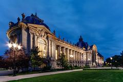Le Petit Palais blue hour (Michel Hincker) Tags: 80d canon architecture blue hour building france paris city night sky green