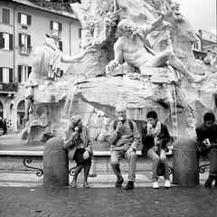 Roma, piccoli miracoli (amira_a) Tags: bw rome roma film mediumformat hasselblad piazza piazzanavona navona 500cm kodaktmax hasselblad500cm